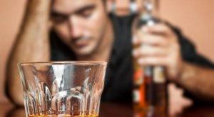 اعراض تعاطي الكحول