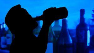 Photo of تصرفات مدمن الكحول