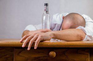علاج مدمن الخمر