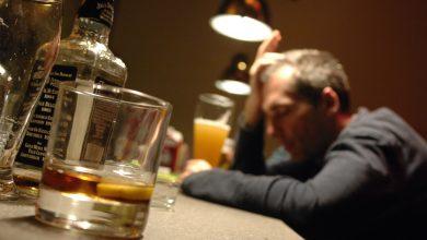 Photo of ماذا يحدث عند شرب الخمر لاول مرة