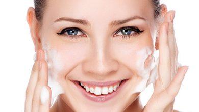 Photo of لتنظيف الوجه جيدًا استخدمي زيت جوز الهند