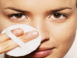 طريقة تنظيف البشرة الدهنية