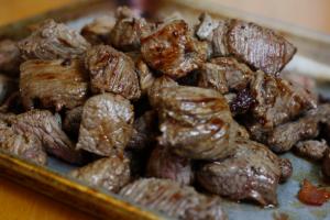 مدة طبخ اللحم بالقدر العادي