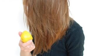 ازالة رائحة القطران من الشعر