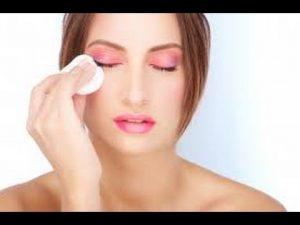 طريقة تنظيف الوجه في البيت