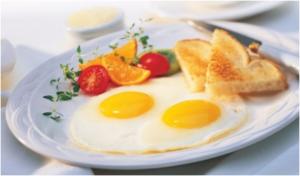 بيض عيون بالجبن