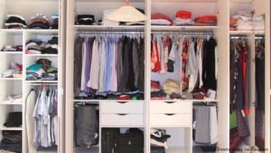 Photo of ترتيب الملابس في الدولاب الصغير